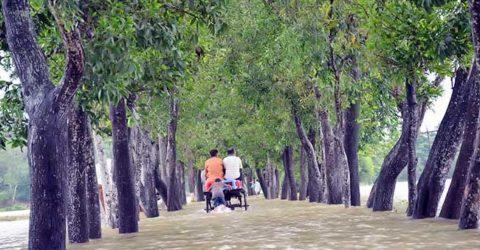 বান্দরবানের সঙ্গে চট্টগ্রামের সড়ক যোগাযোগ বন্ধ