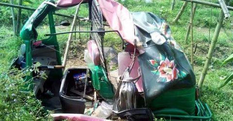 শায়েস্তাগঞ্জে ট্রেনের সাথে সিএনজির ধাক্কা, স্কুলছাত্র নিহত